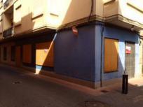 Local comercial muy centrico y cerca del ayuntamiento de Nules, ideal para negocios u oficinas
