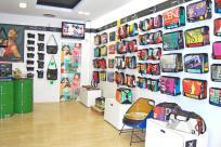 Se cede tienda de marca en centro de Reus (Tarragona)