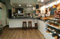 Traspaso Cafetería - Pastelería 80m con terraza en zon