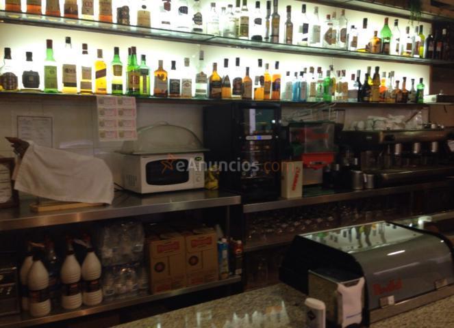 Traspaso Bar-Cafetería de 90 m  zona Manuel Becerra