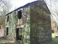 Casa de piedra para restaurar con 3000m2 de finca