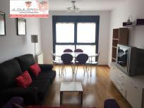 Se vende piso semi-nuevo amueblado zona Ensanche en Barbastro.
